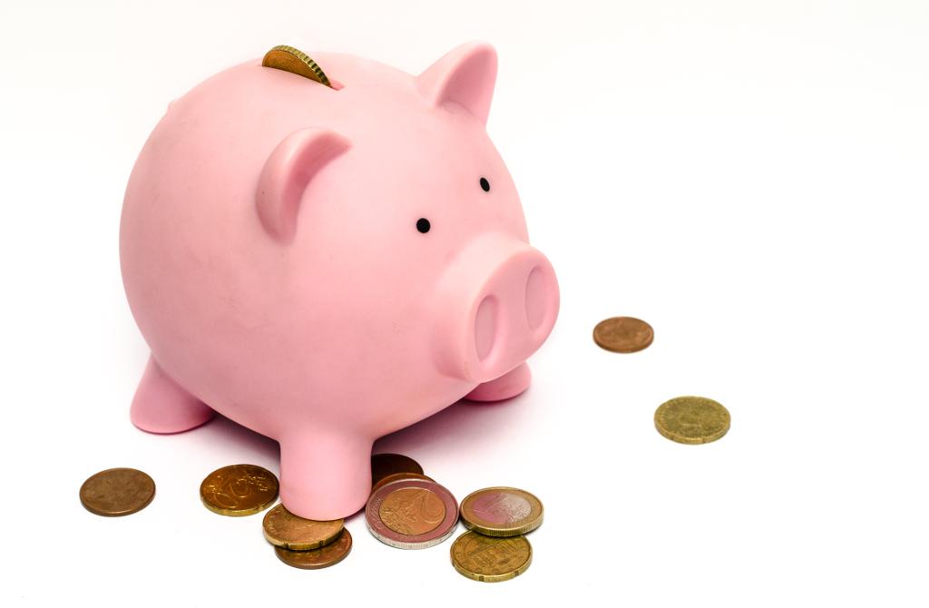 貯金箱でHerokuの費用節約をイメージ